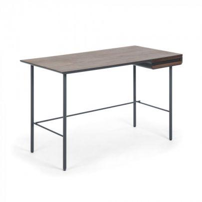 escritorio de estilo nordico con un cajon