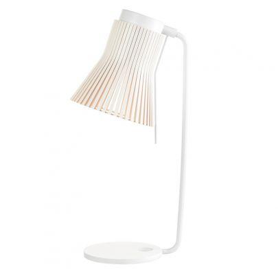 lampara de sobremesa de color blanco modelo petite 4620 fabricada por secto desing
